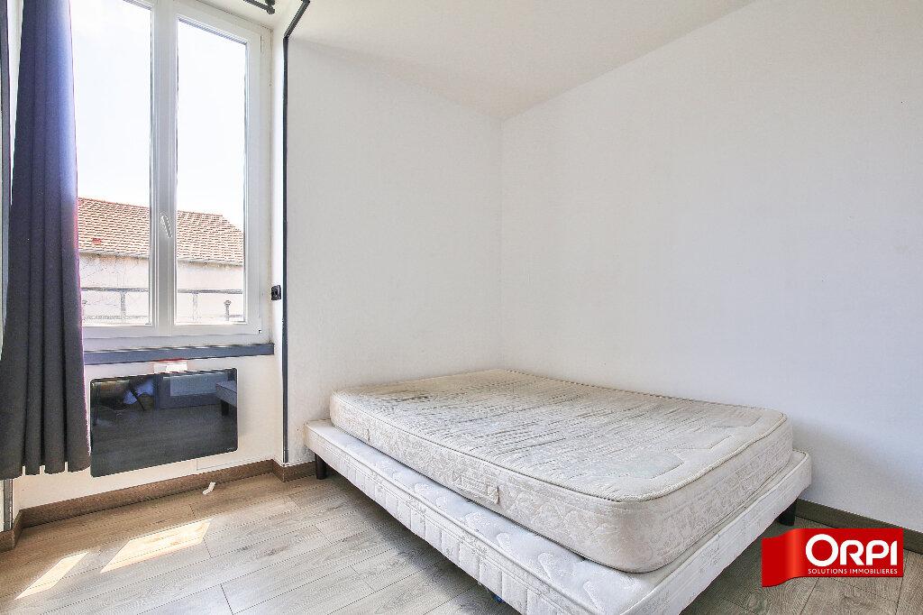 Maison à louer 3 75.26m2 à Vaulx-en-Velin vignette-4