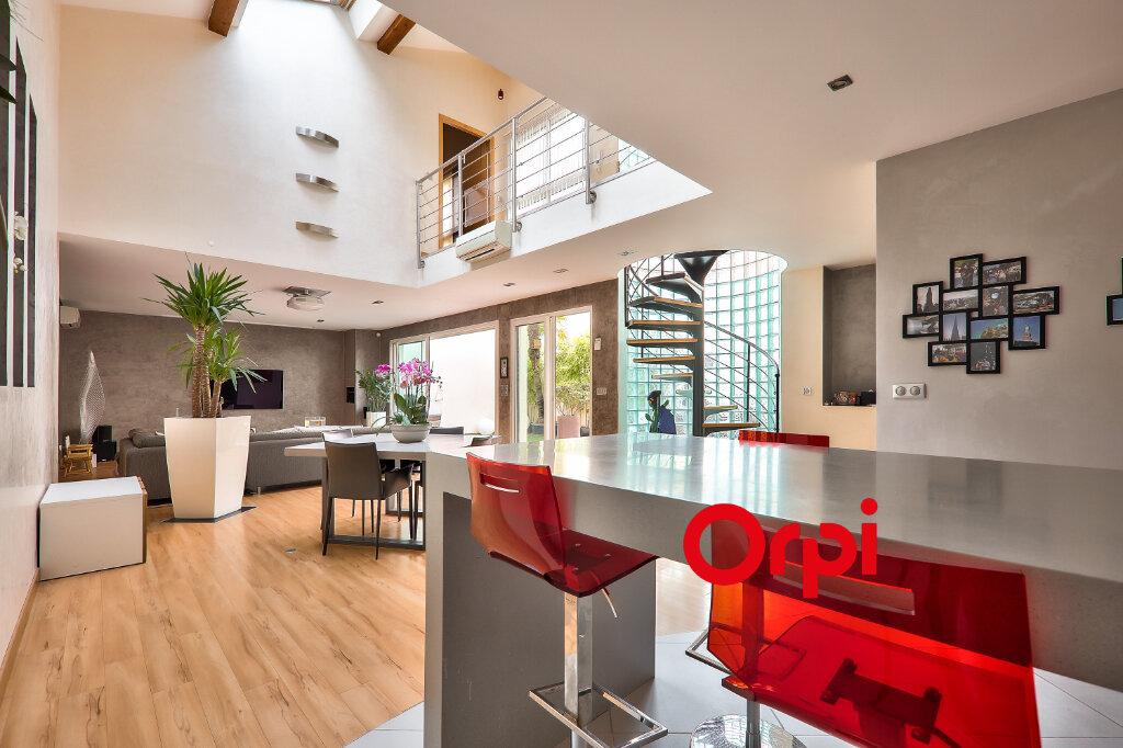 Appartement à vendre 5 161m2 à Villeurbanne vignette-7