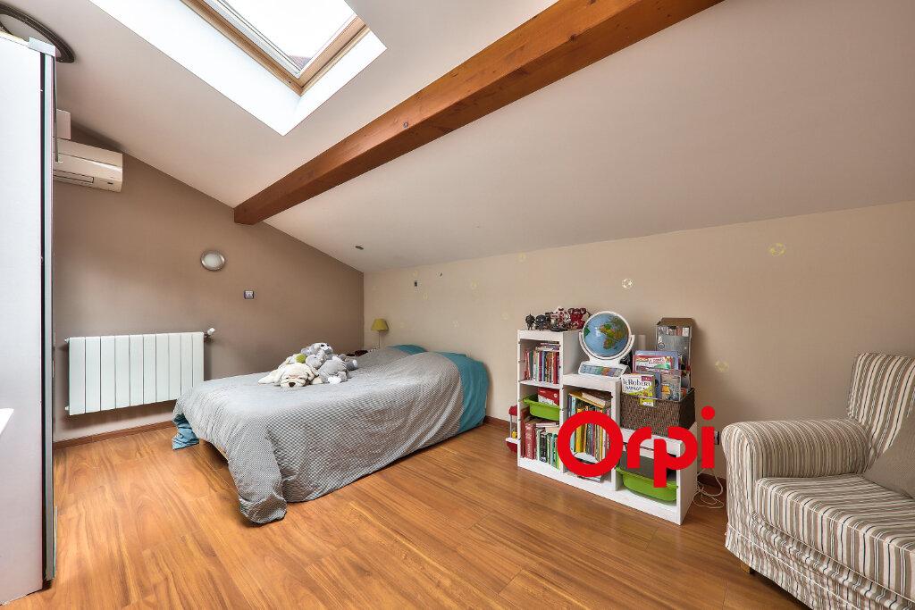 Appartement à vendre 5 161m2 à Villeurbanne vignette-10
