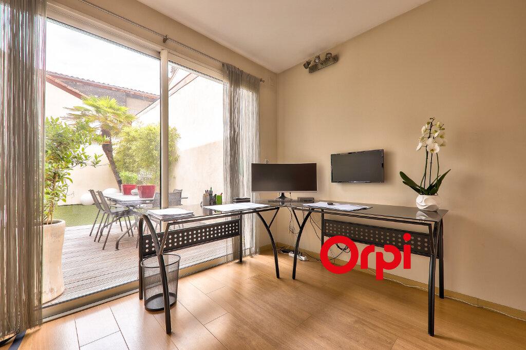Appartement à vendre 5 161m2 à Villeurbanne vignette-12