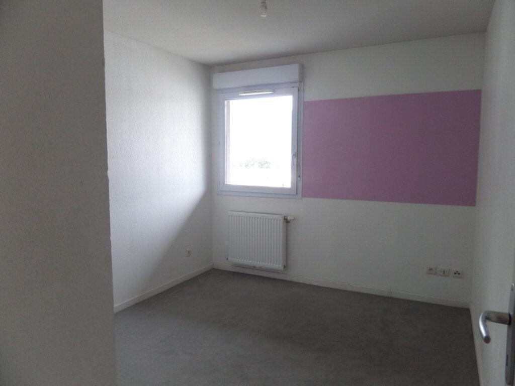 Appartement à louer 3 66.36m2 à Cluses vignette-4