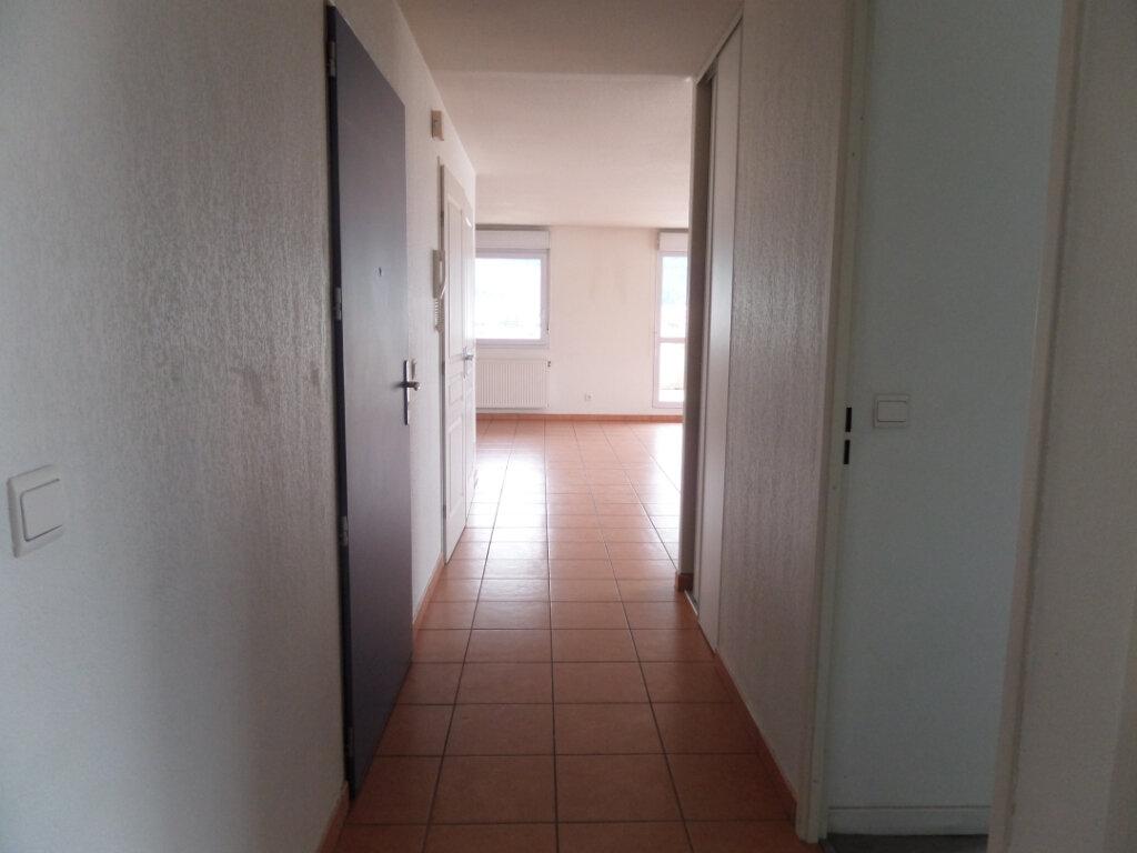 Appartement à louer 3 66.36m2 à Cluses vignette-6