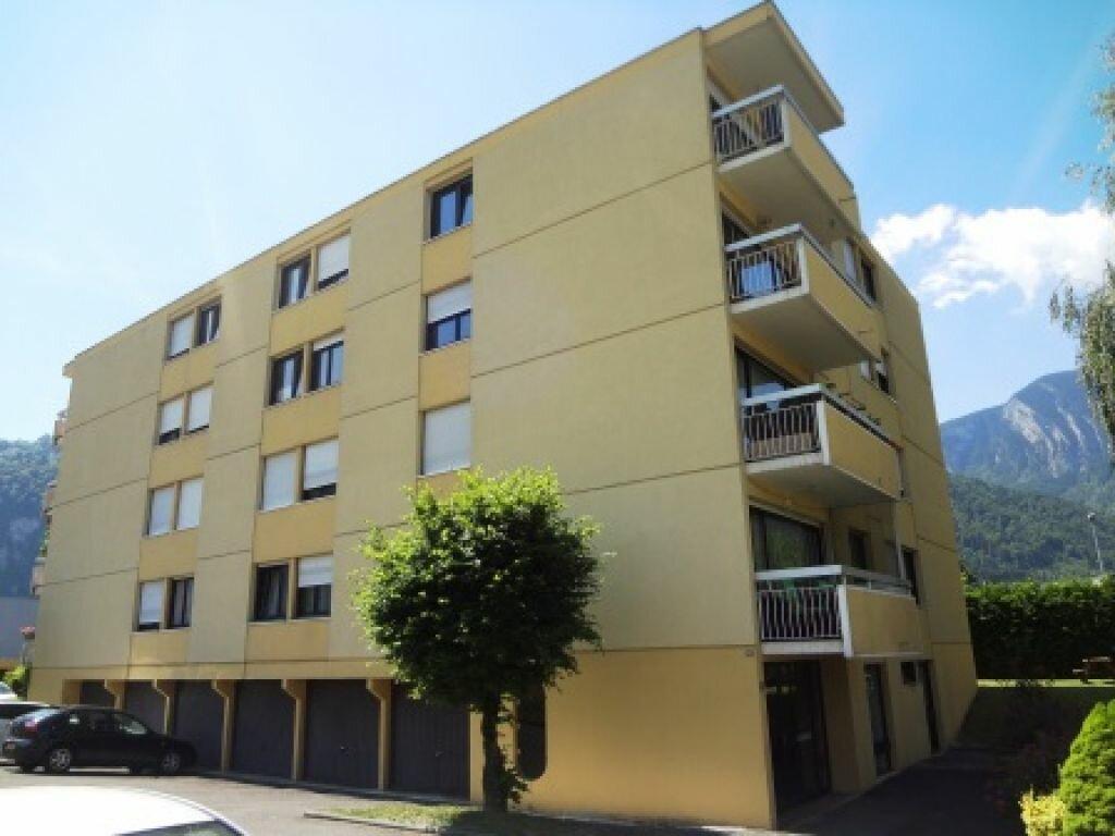 Appartement à louer 4 79m2 à Cluses vignette-8