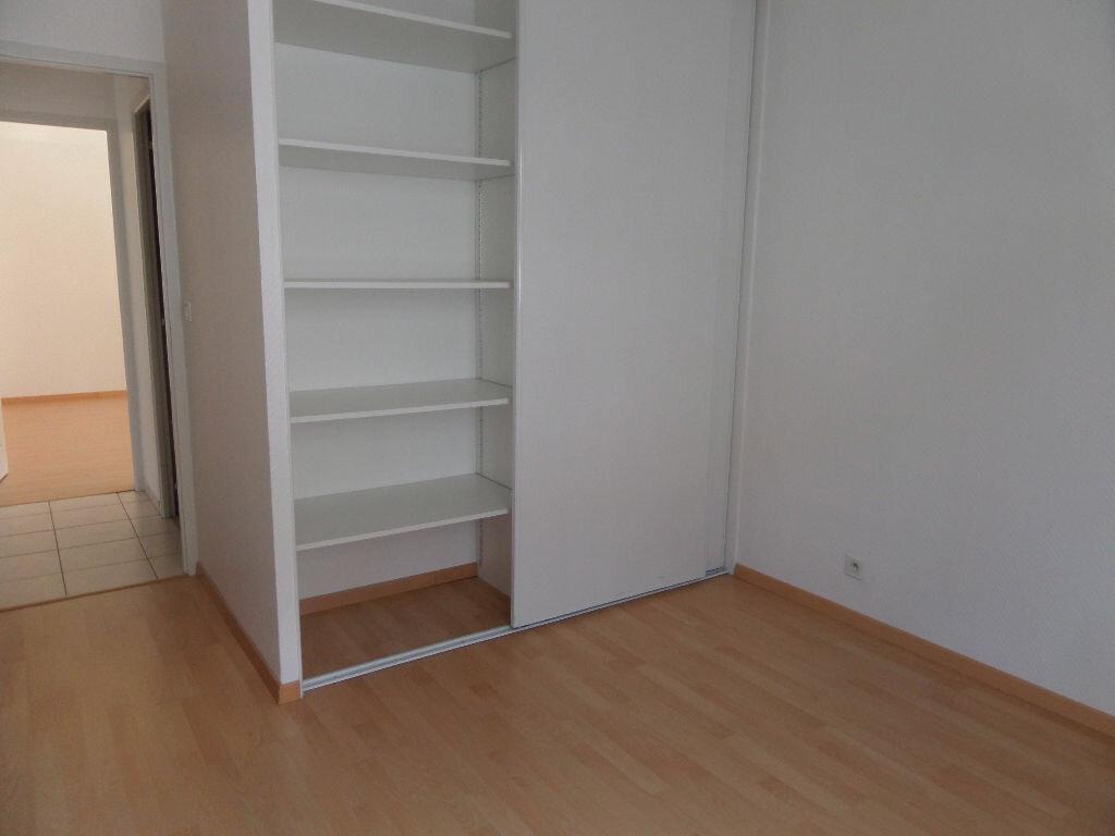 Appartement à louer 4 89.12m2 à Cluses vignette-6