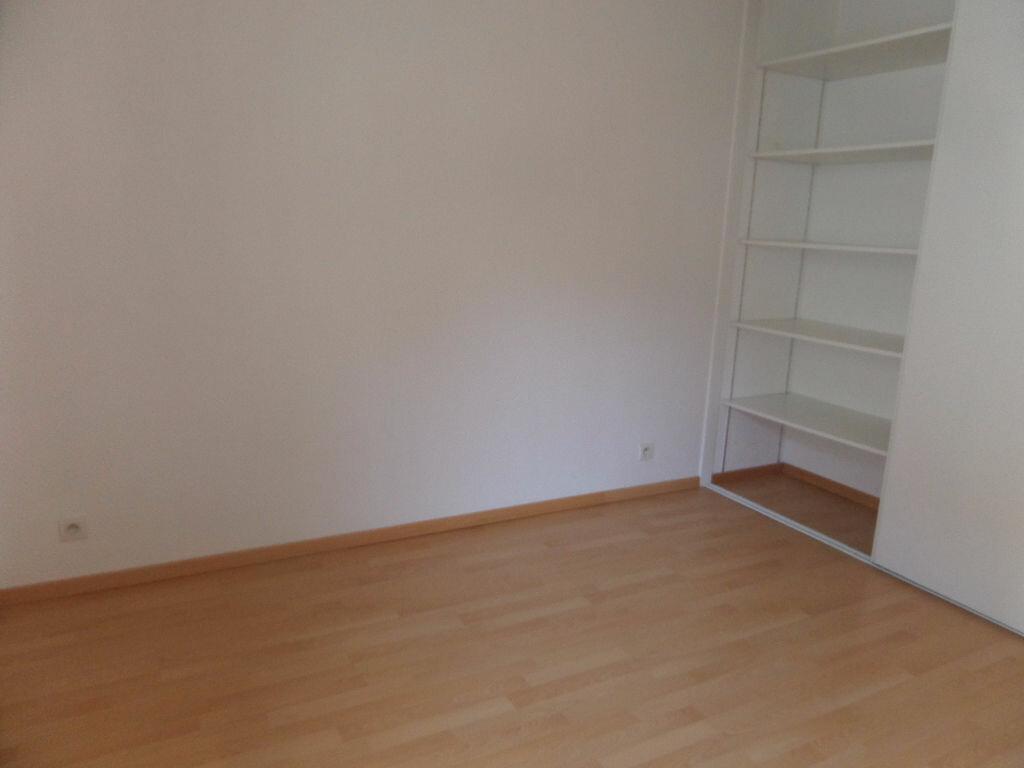 Appartement à louer 4 89.12m2 à Cluses vignette-8