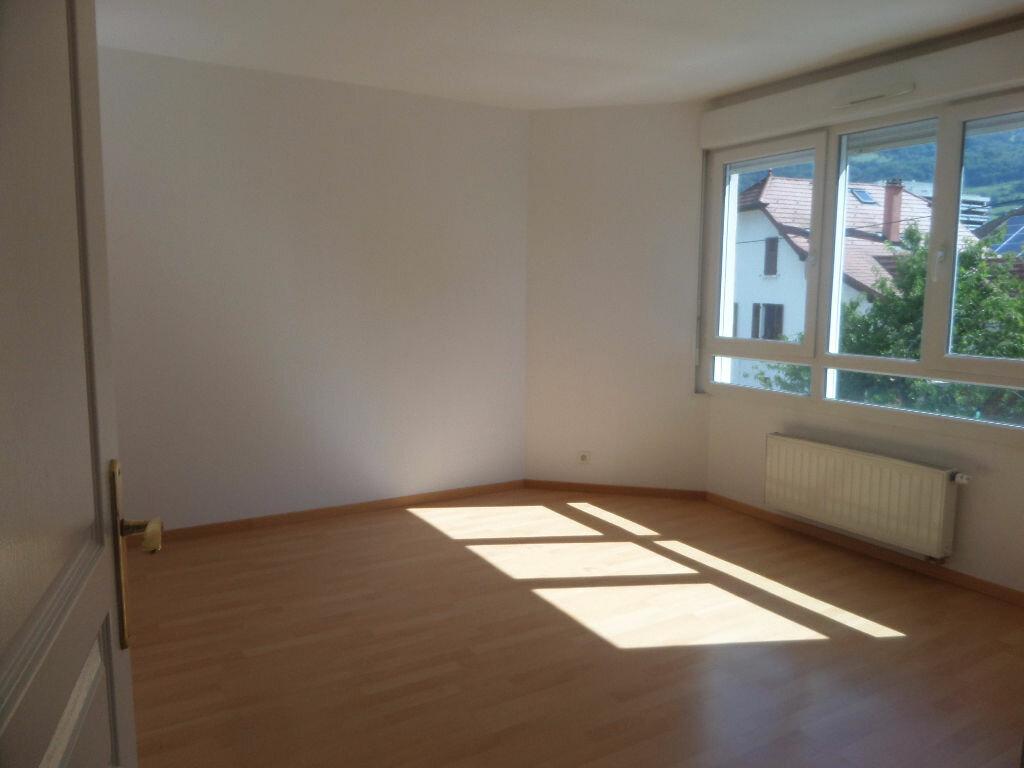 Appartement à louer 4 89.12m2 à Cluses vignette-11