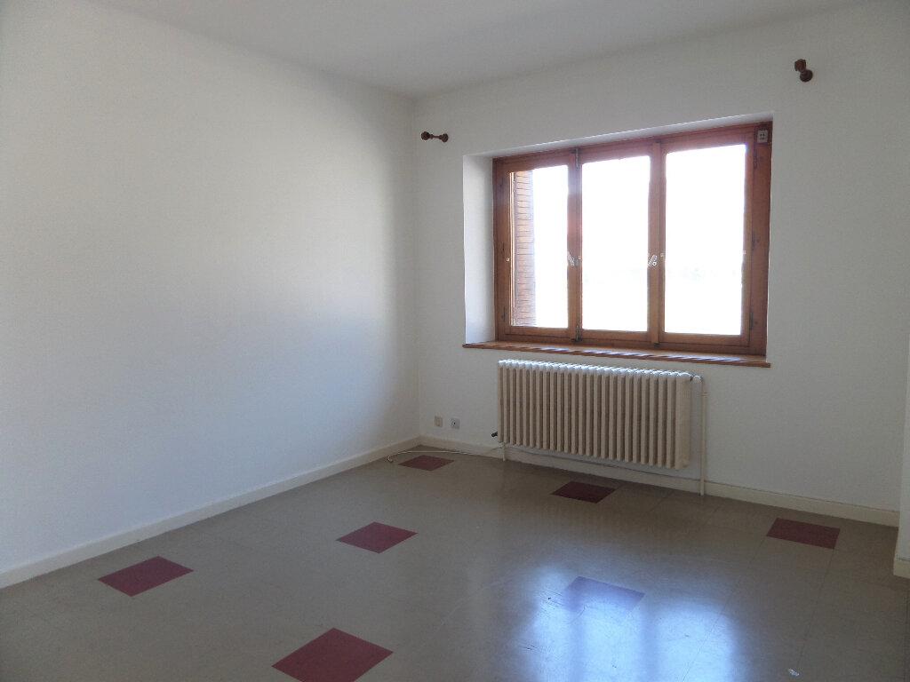 Appartement à louer 3 58m2 à Scionzier vignette-2