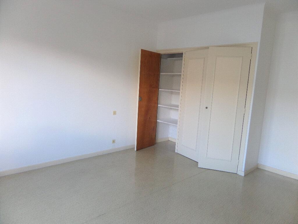 Appartement à louer 3 58m2 à Scionzier vignette-4
