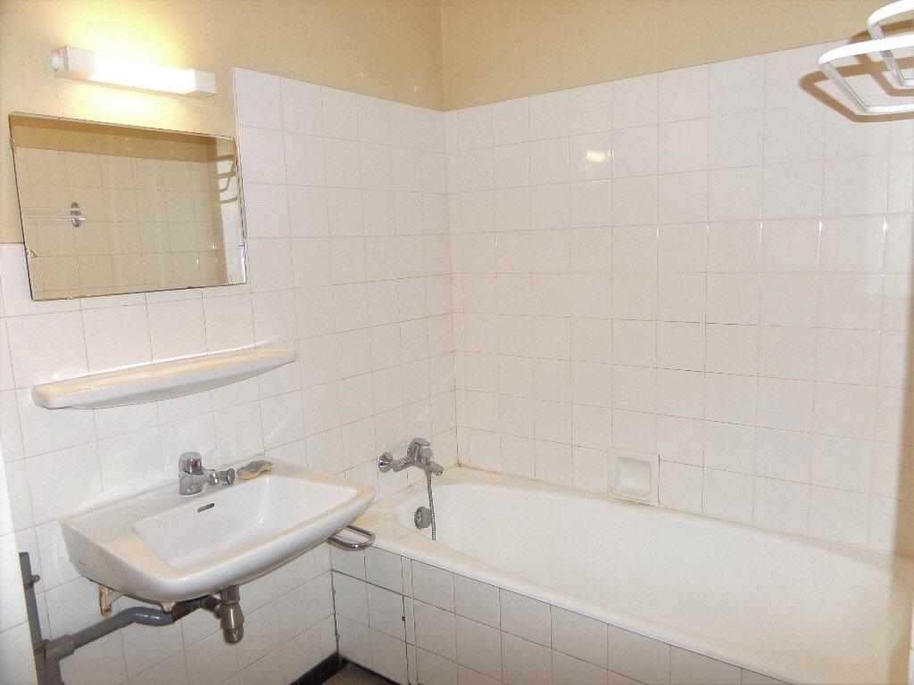 Appartement à louer 3 58m2 à Scionzier vignette-6