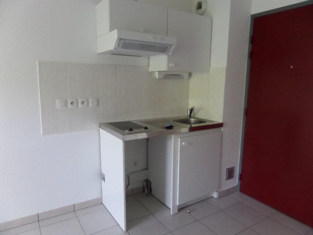 Appartement à louer 2 39m2 à Scionzier vignette-1