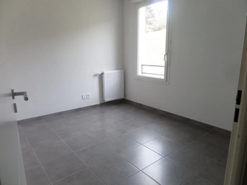 Appartement à louer 3 71.49m2 à Bonneville vignette-7