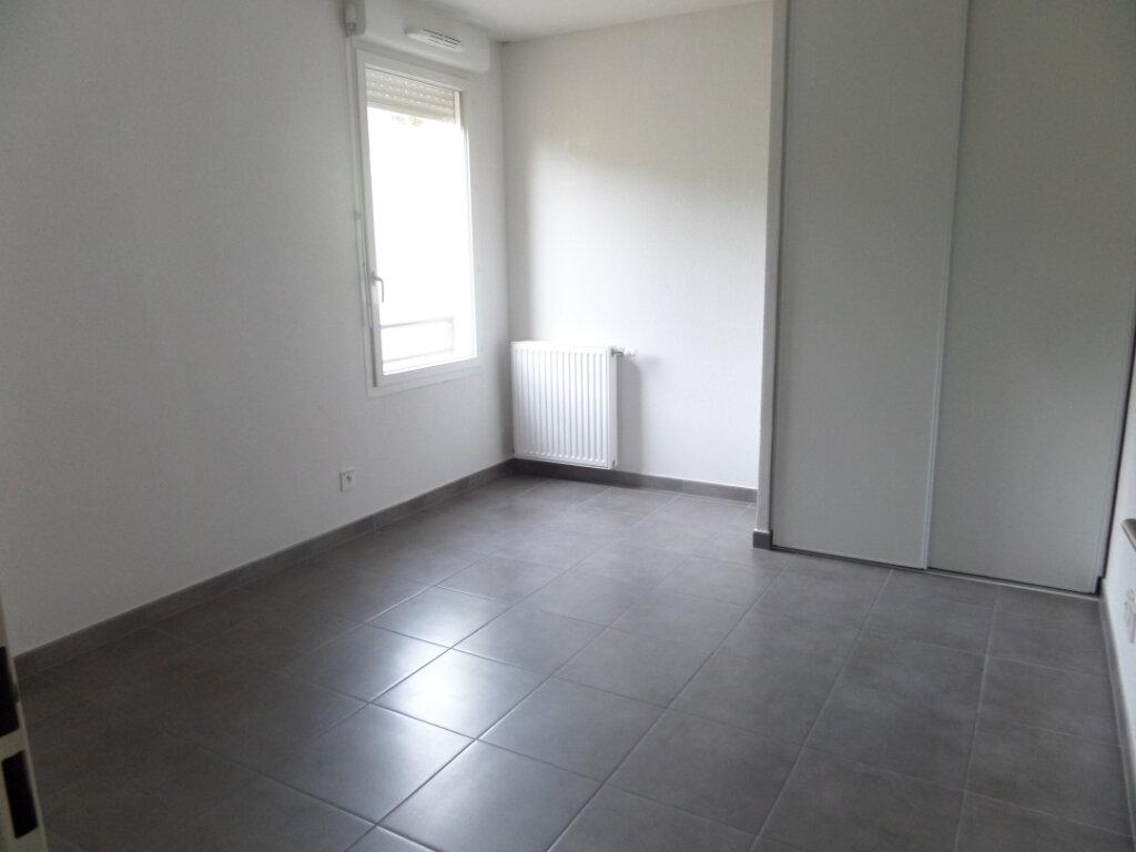 Appartement à louer 3 71.49m2 à Bonneville vignette-9