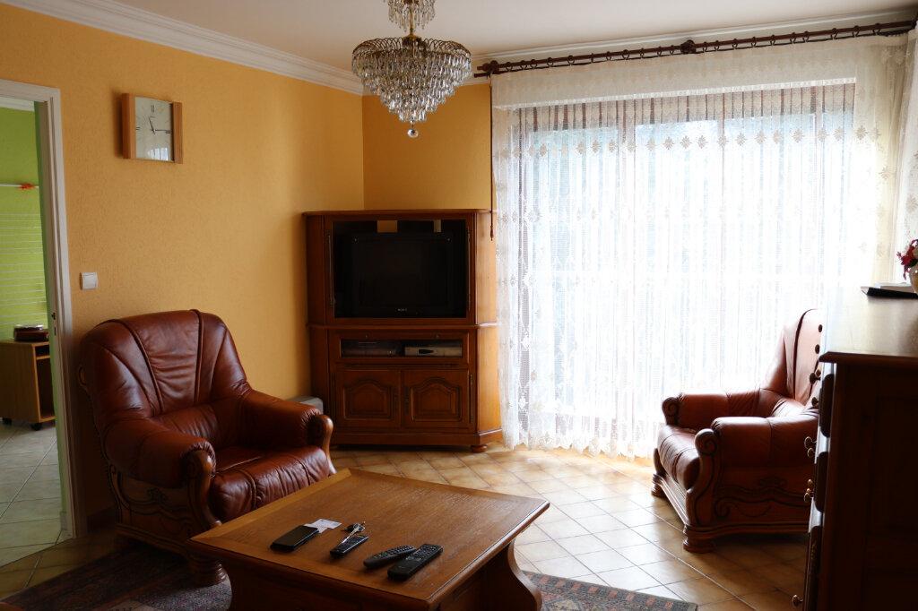 Appartement à vendre 3 60m2 à Cluses vignette-1