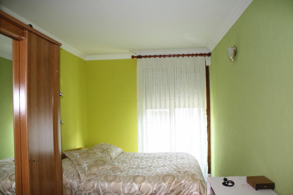 Appartement à vendre 3 60m2 à Cluses vignette-4