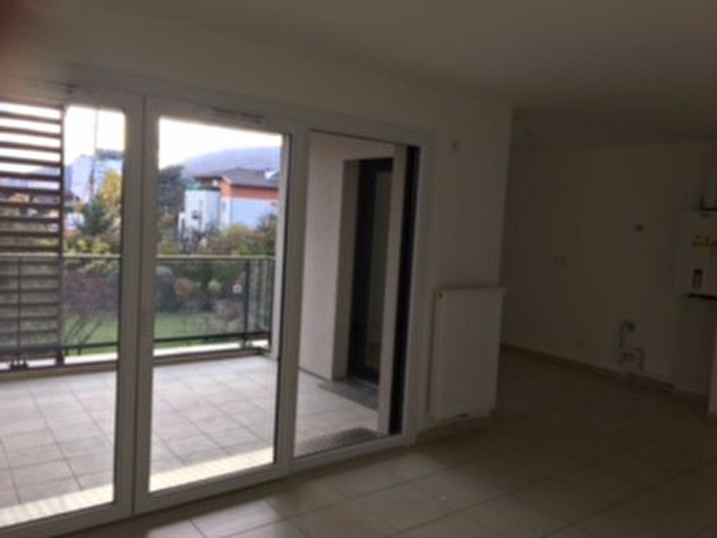 Appartement à louer 3 65m2 à Annemasse vignette-4