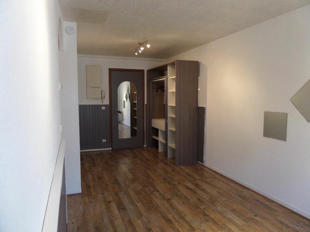 Appartement à louer 2 31m2 à Cluses vignette-4