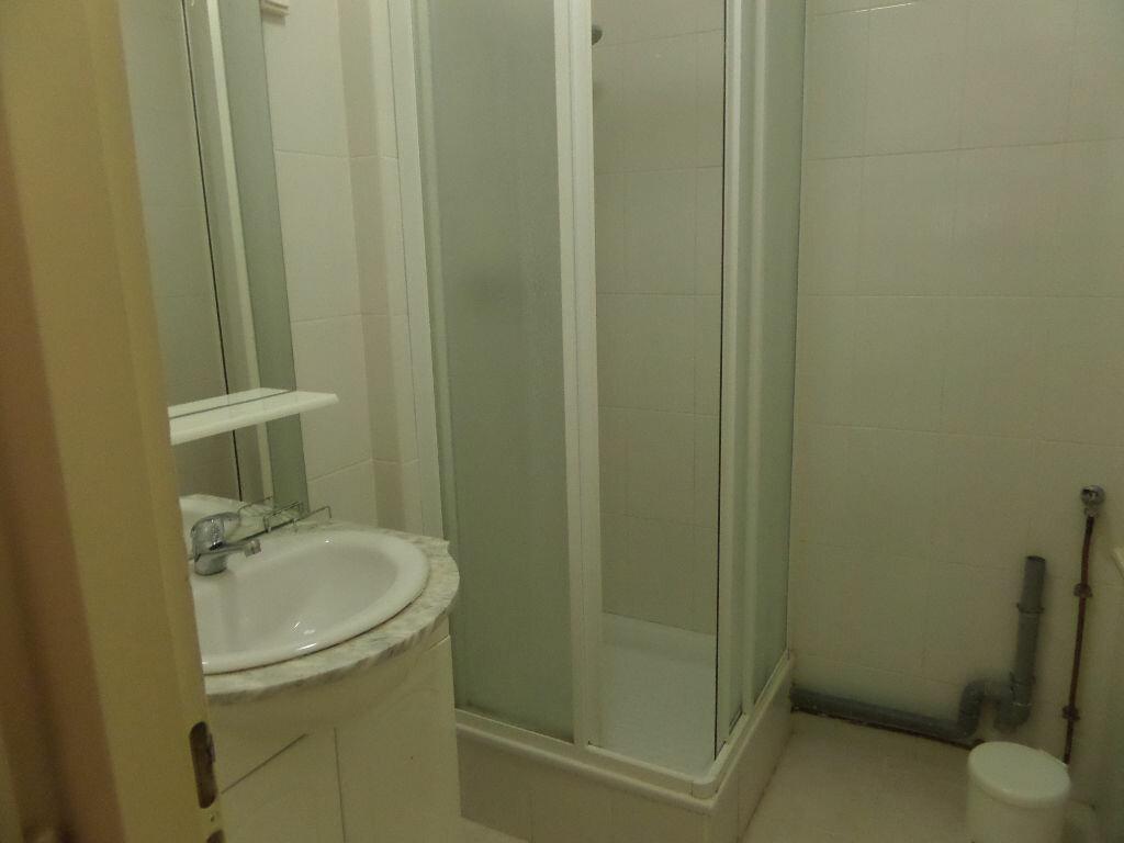 Appartement à louer 2 31m2 à Cluses vignette-6