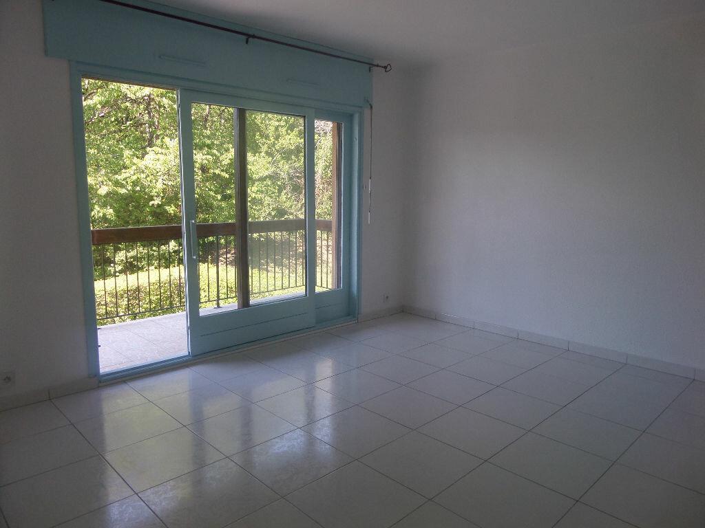 Appartement à louer 2 41m2 à Bonneville vignette-1