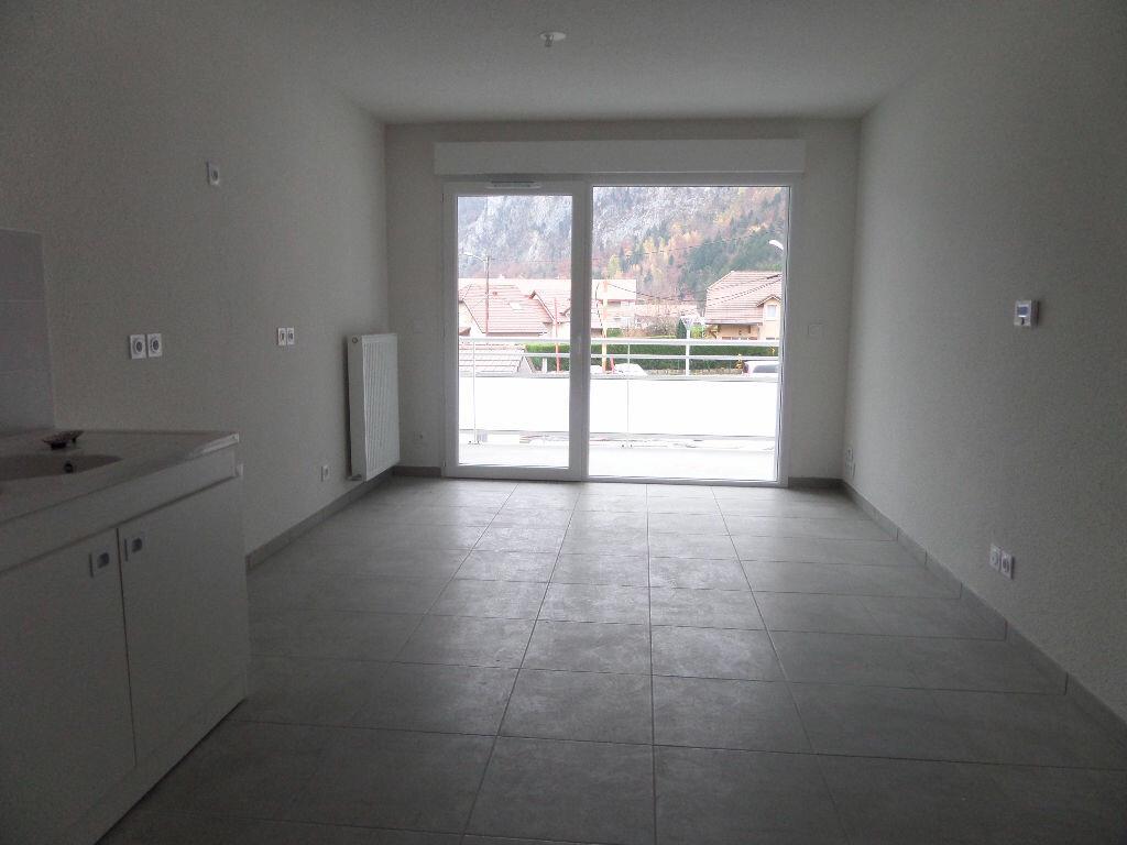 Appartement à louer 2 43.58m2 à Scionzier vignette-4