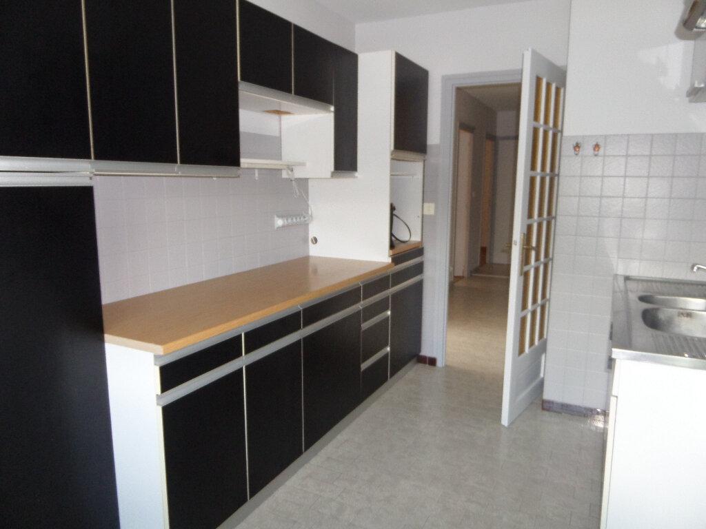 Appartement à louer 3 62.77m2 à Thyez vignette-3