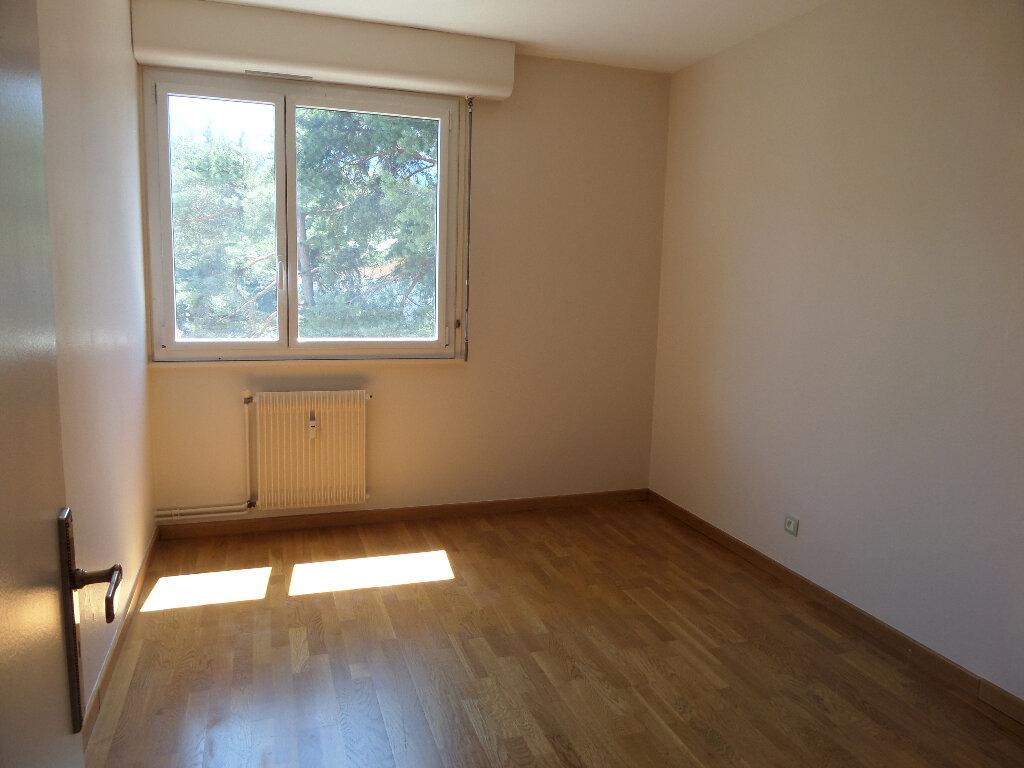 Appartement à louer 3 62.77m2 à Thyez vignette-4