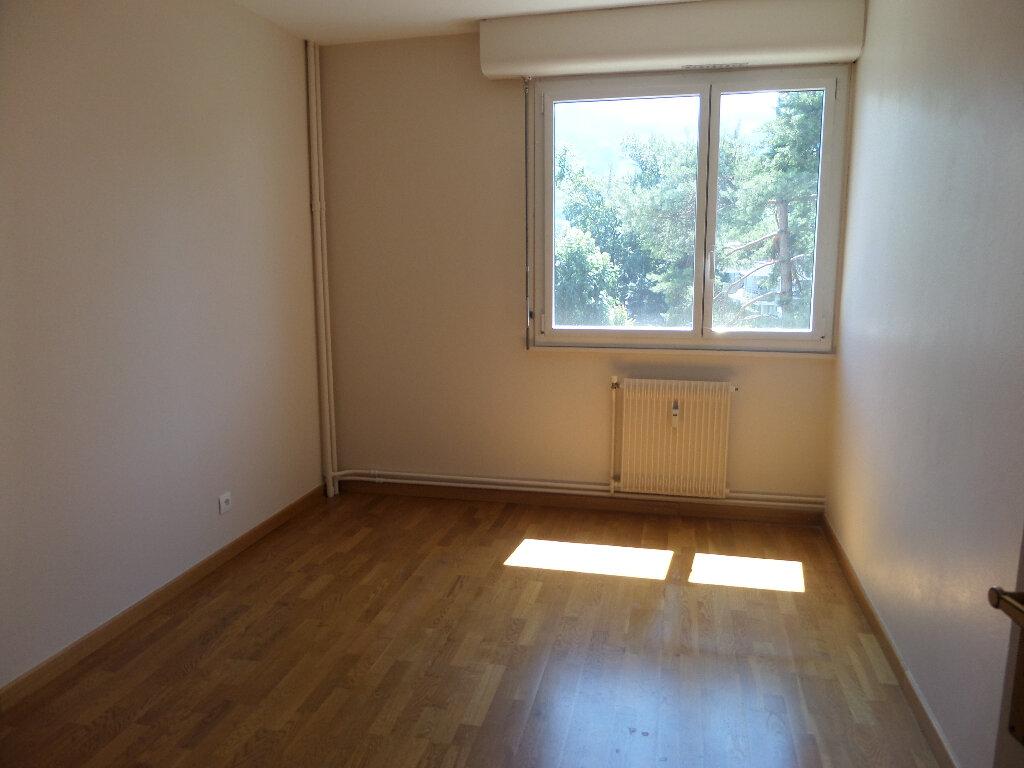Appartement à louer 3 62.77m2 à Thyez vignette-5