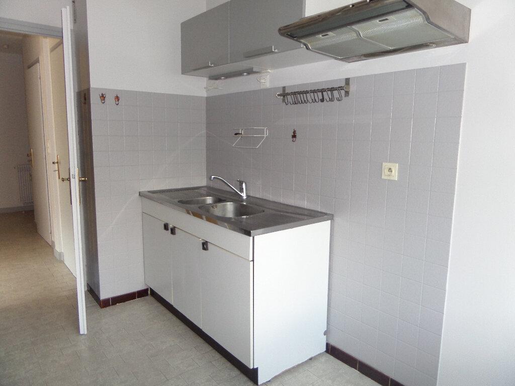 Appartement à louer 3 62.77m2 à Thyez vignette-7
