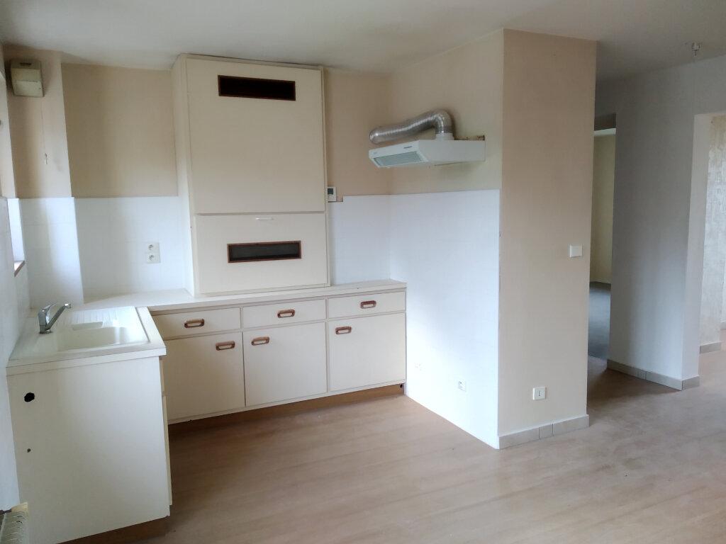 Appartement à louer 4 75m2 à Cluses vignette-1