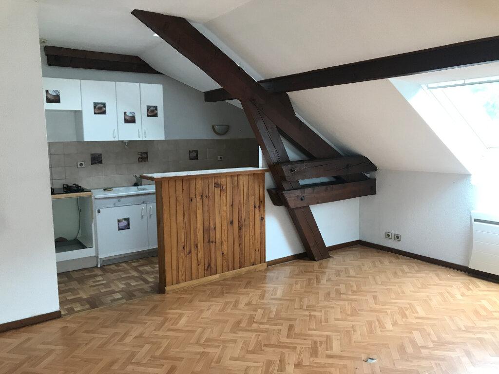 Appartement à louer 3 56.54m2 à Cluses vignette-3