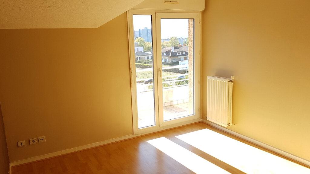 Appartement à louer 3 63.6m2 à Cluses vignette-4