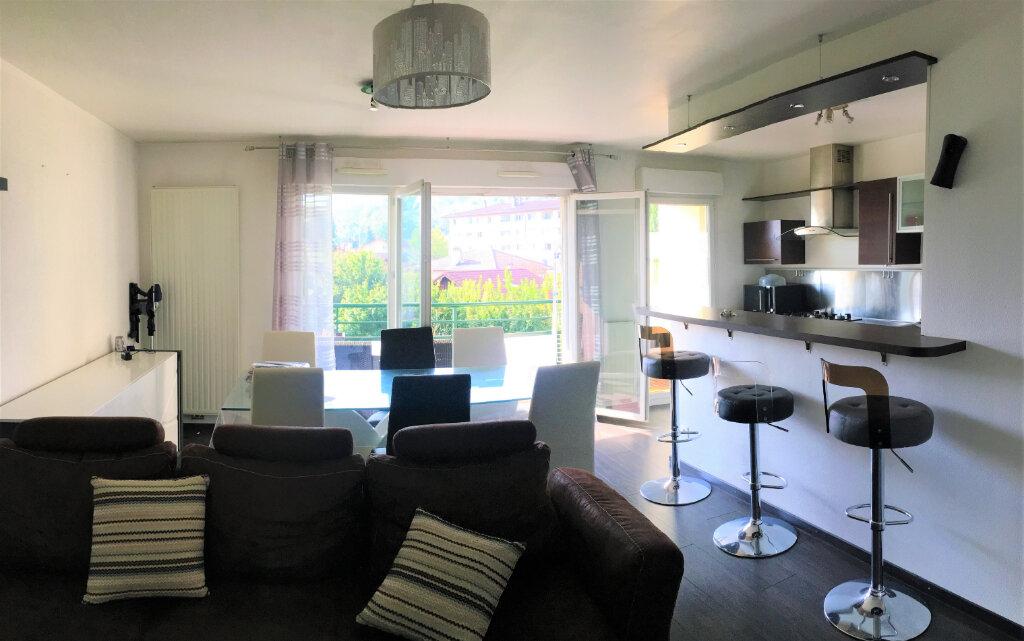 Appartement à louer 3 67.42m2 à Annemasse vignette-1