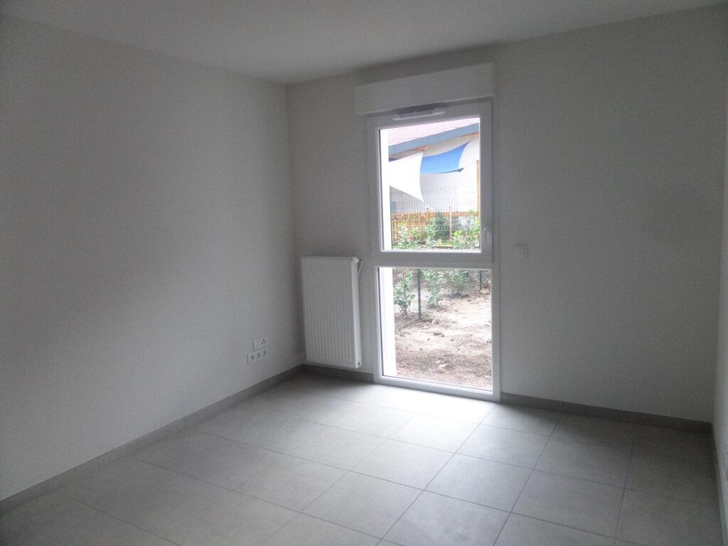 Appartement à louer 2 41.95m2 à Scionzier vignette-3