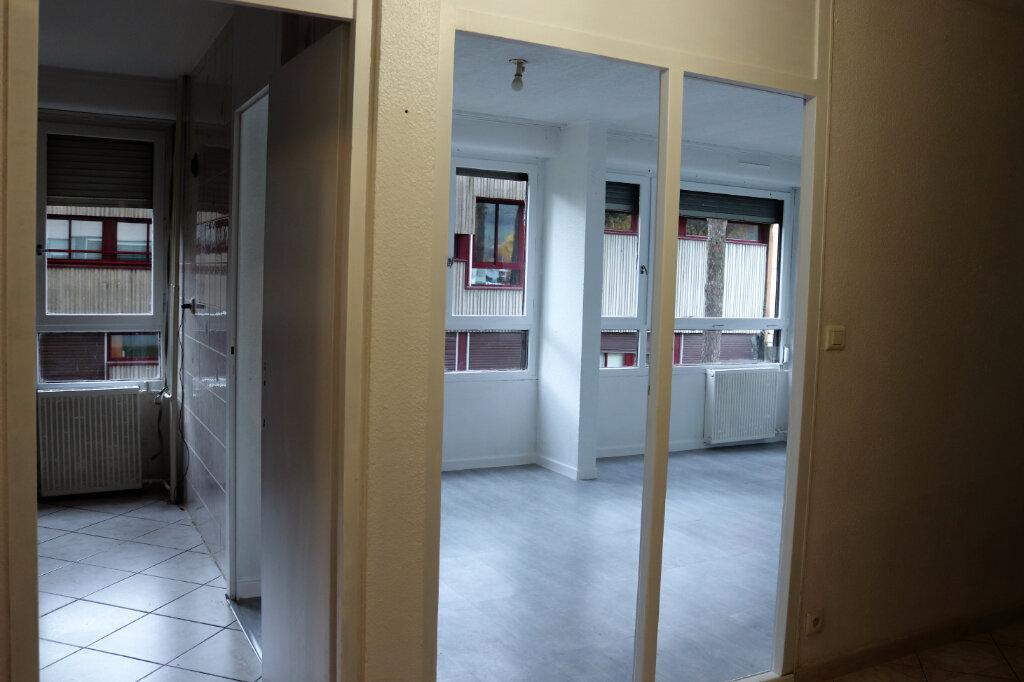 Appartement à vendre 3 66m2 à Cluses vignette-7