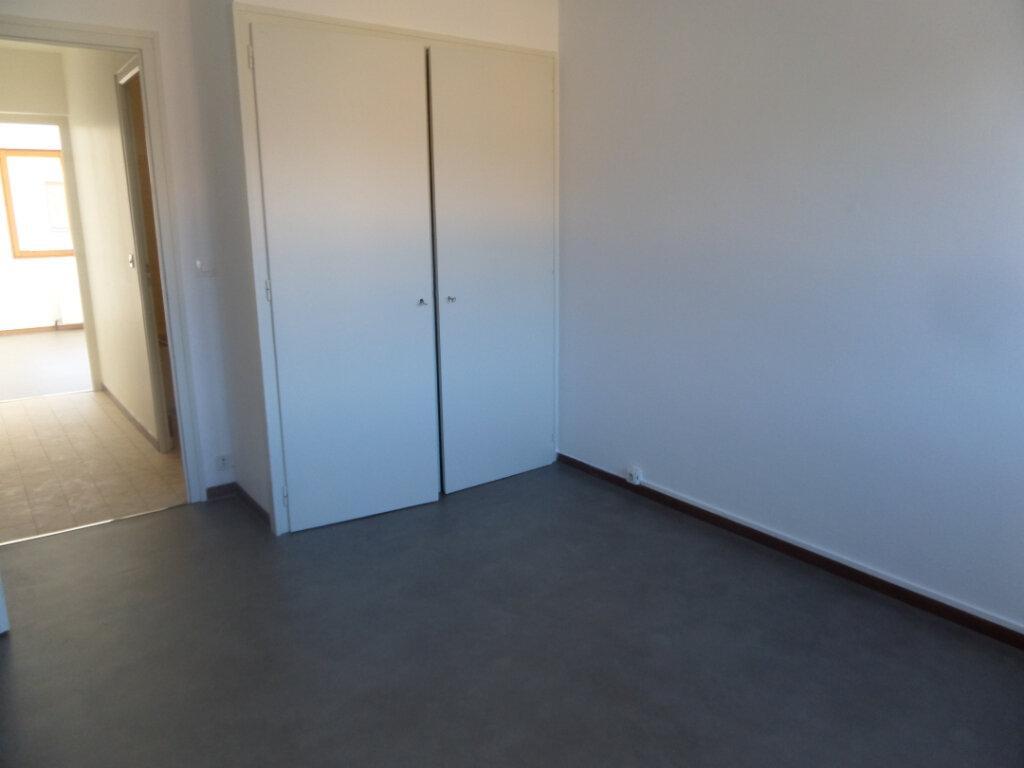 Appartement à louer 4 91.84m2 à Cluses vignette-7