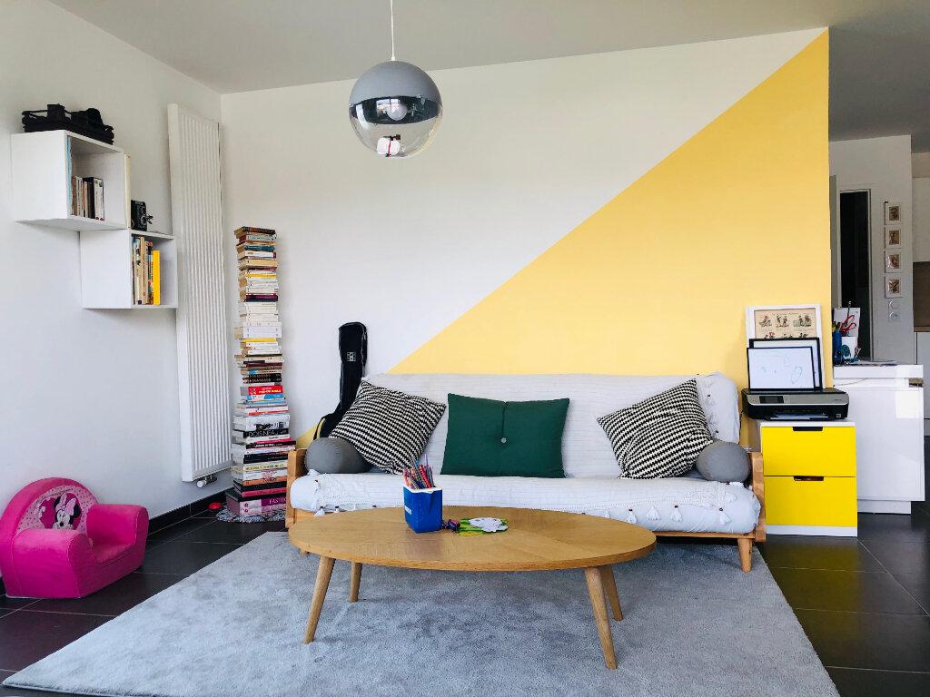 Appartement à louer 4 82.36m2 à Annemasse vignette-3