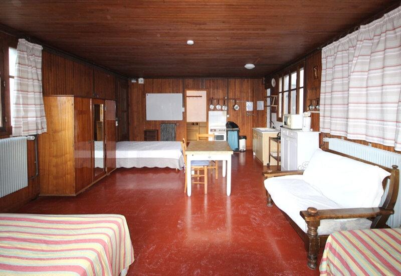 Maison à vendre 7 185m2 à Arâches-la-Frasse vignette-3