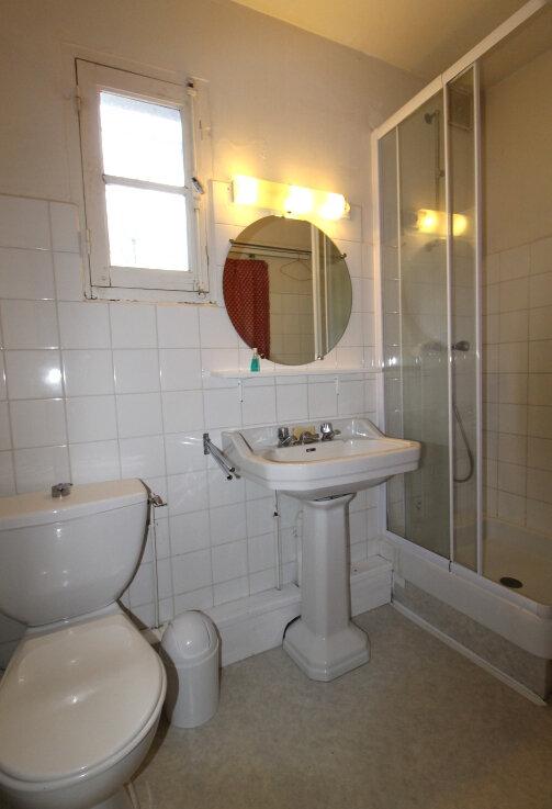 Maison à vendre 7 185m2 à Arâches-la-Frasse vignette-6