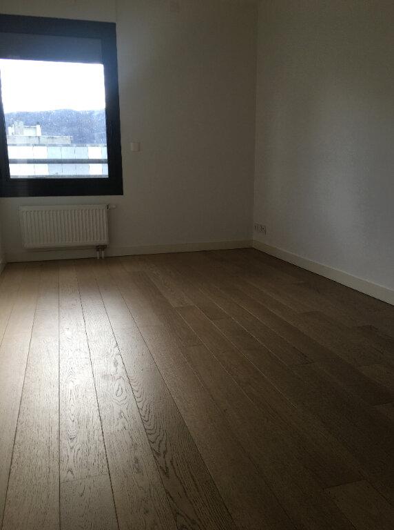 Appartement à louer 3 71.46m2 à Annemasse vignette-4