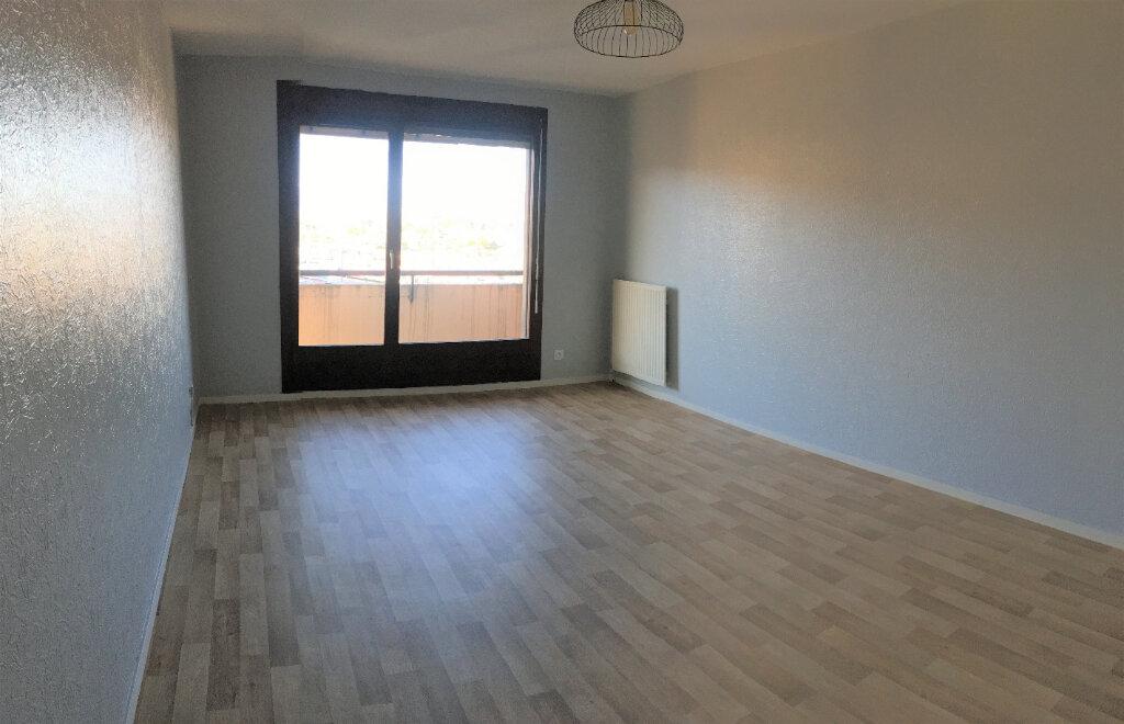Appartement à louer 4 77.1m2 à Annemasse vignette-2