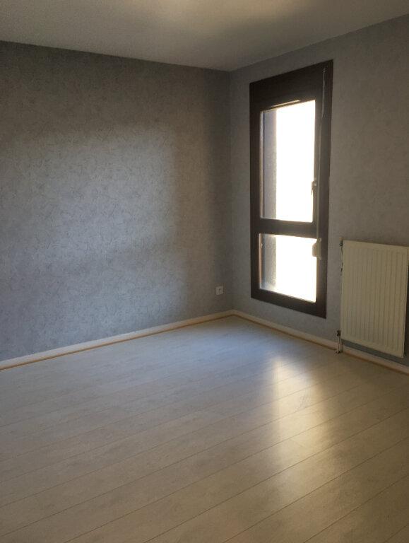 Appartement à louer 4 77.1m2 à Annemasse vignette-5