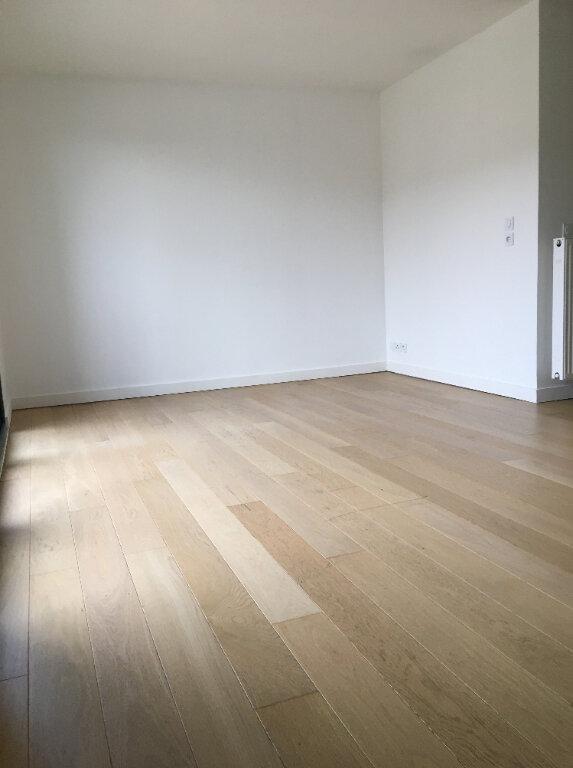 Appartement à louer 2 47.78m2 à Annemasse vignette-2