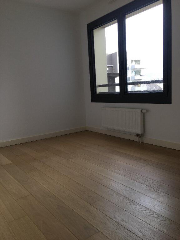 Appartement à louer 2 47.78m2 à Annemasse vignette-3