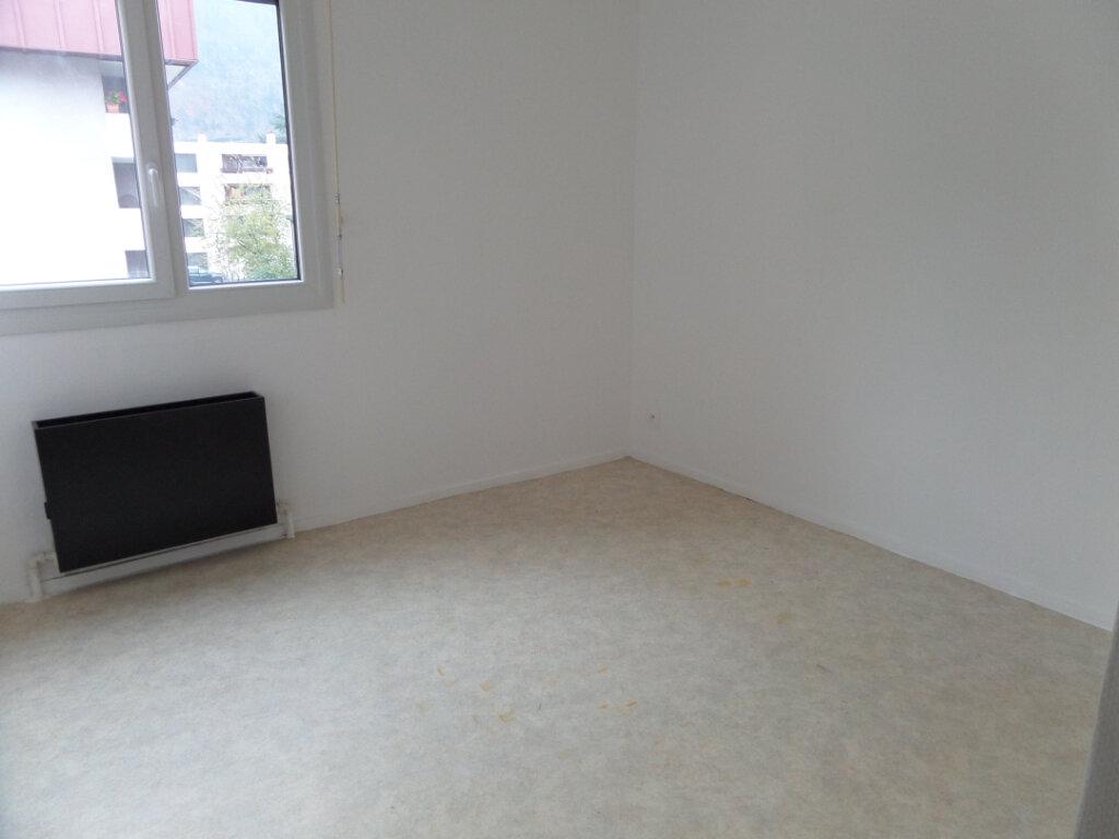 Appartement à louer 4 86.66m2 à Cluses vignette-7