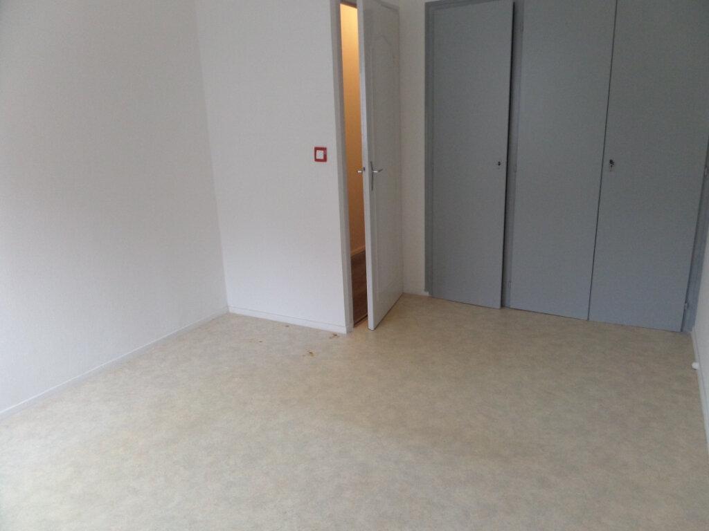 Appartement à louer 4 86.66m2 à Cluses vignette-8