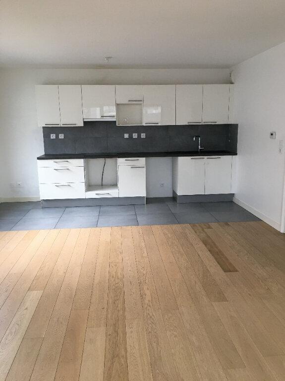 Appartement à louer 3 68.9m2 à Annemasse vignette-1