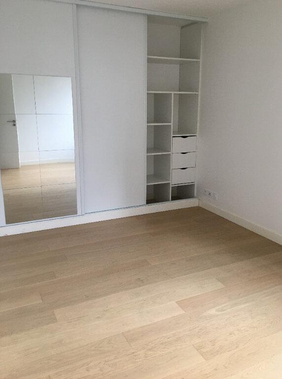 Appartement à louer 3 68.9m2 à Annemasse vignette-2
