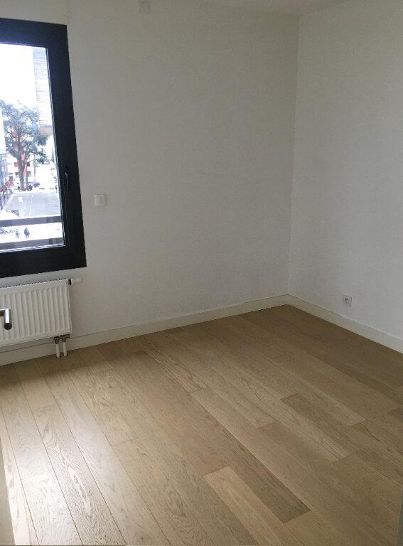 Appartement à louer 3 68.9m2 à Annemasse vignette-3