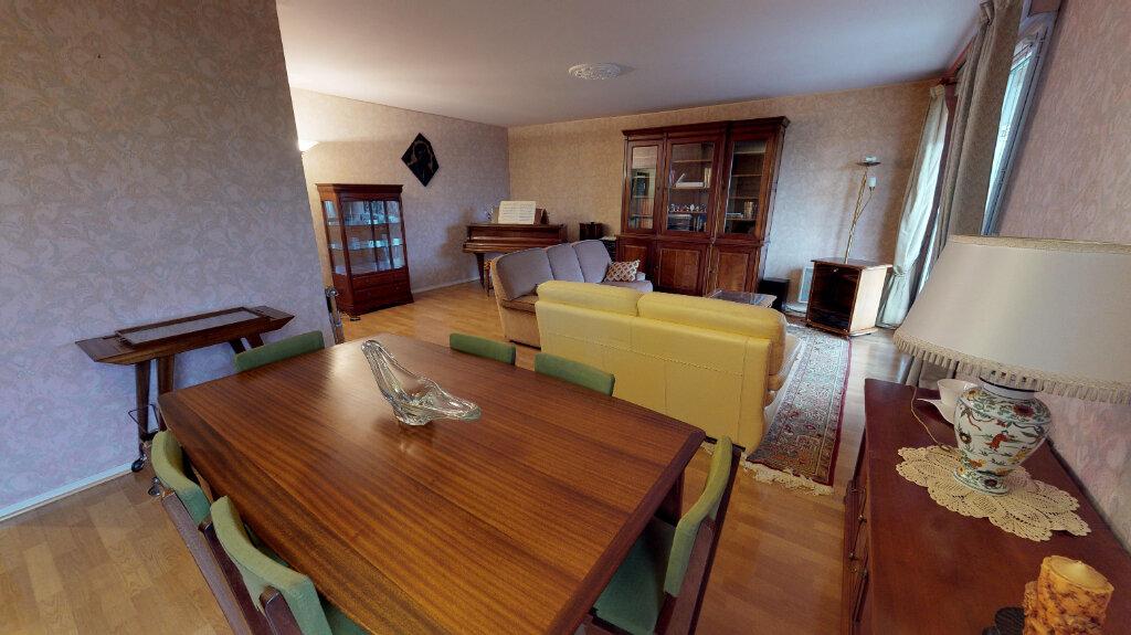 Appartement à vendre 5 105m2 à Eaubonne vignette-3