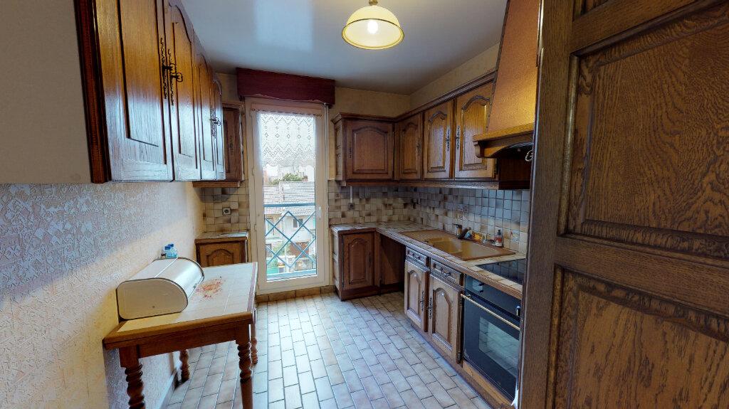 Appartement à vendre 5 105m2 à Eaubonne vignette-4