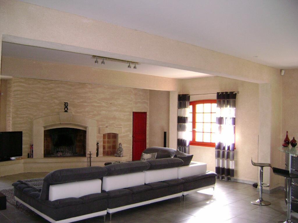 Maison à vendre 11 405m2 à Saint-Laurent-d'Arce vignette-5